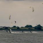 Viele Kitesurfer