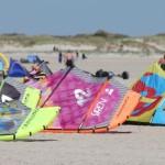 Kites von Cabrinha warten auf ihren Einsatz