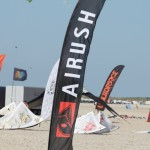 Ein Werbebanner von Airush Kiteboarding
